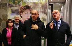 """In tanti all'inaugurazione della sede elettorale di Berardinetti-Dominici. Legnini """"loro rappresentano il cuore del nostro progetto"""""""