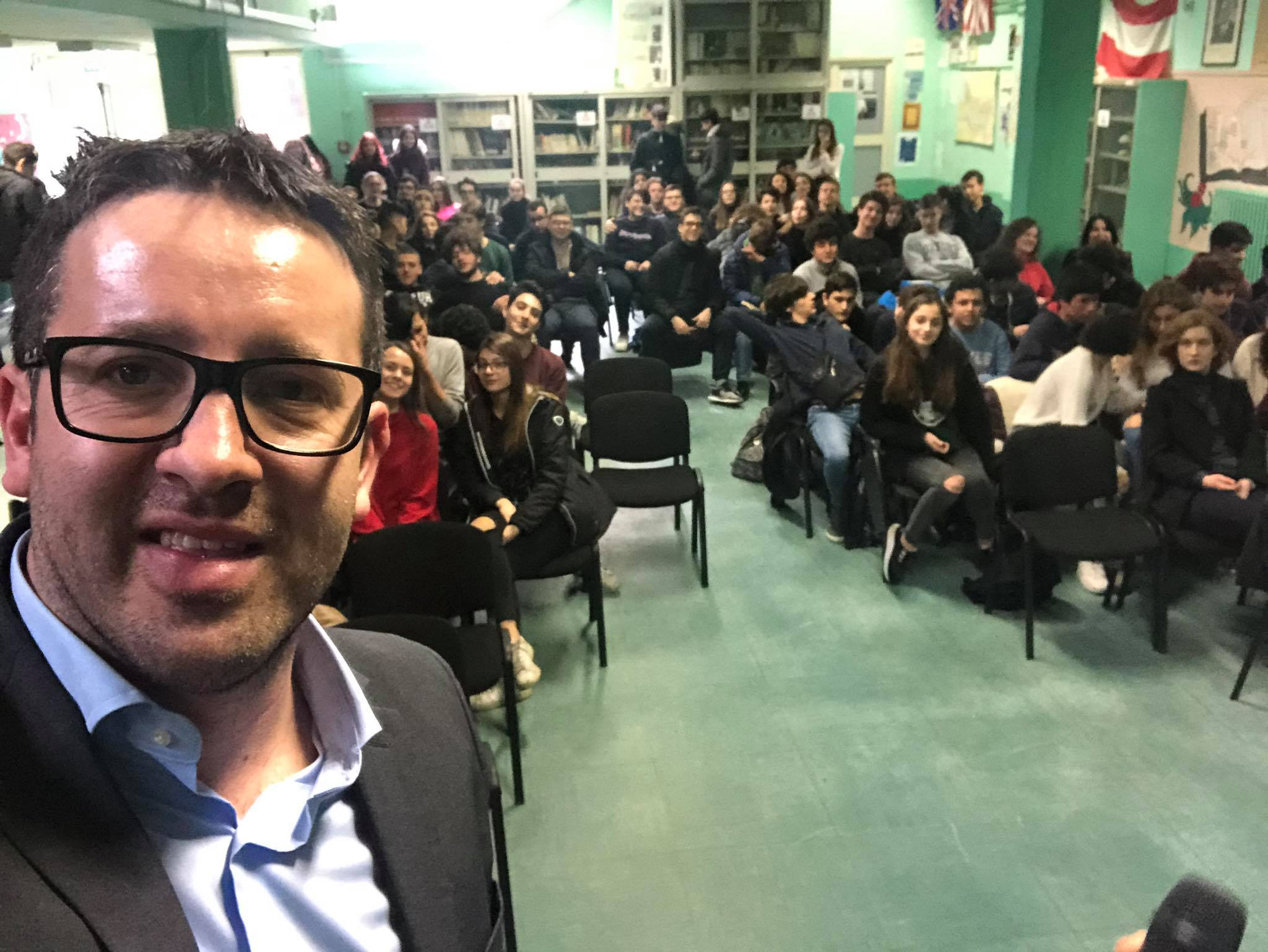 I ragazzi del liceo Newton di Roma incontrano il sindaco Di Natale