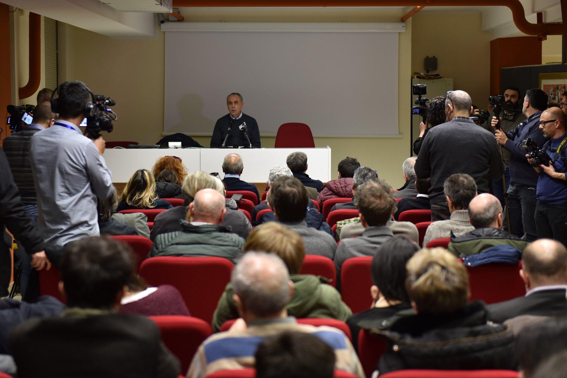 """Legnini in conferenza all'emiciclo """"Dalla sconfitta alla speranza del centrosinistra in Abruzzo"""""""