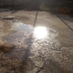 Trasacco, fogna a cielo aperto: liquami in strada e cattivo odore (foto)