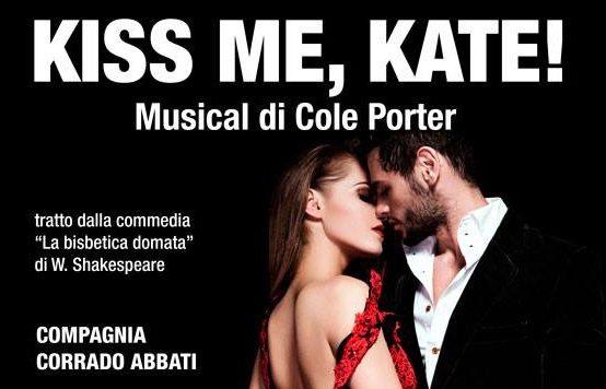 """""""Kiss me kate"""", musical di Cole Porter, in scena al Teatro Dei Marsi"""