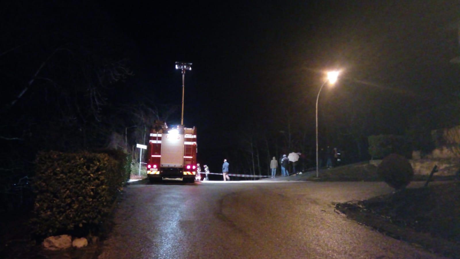 Frana a Canistro, chiusa una strada