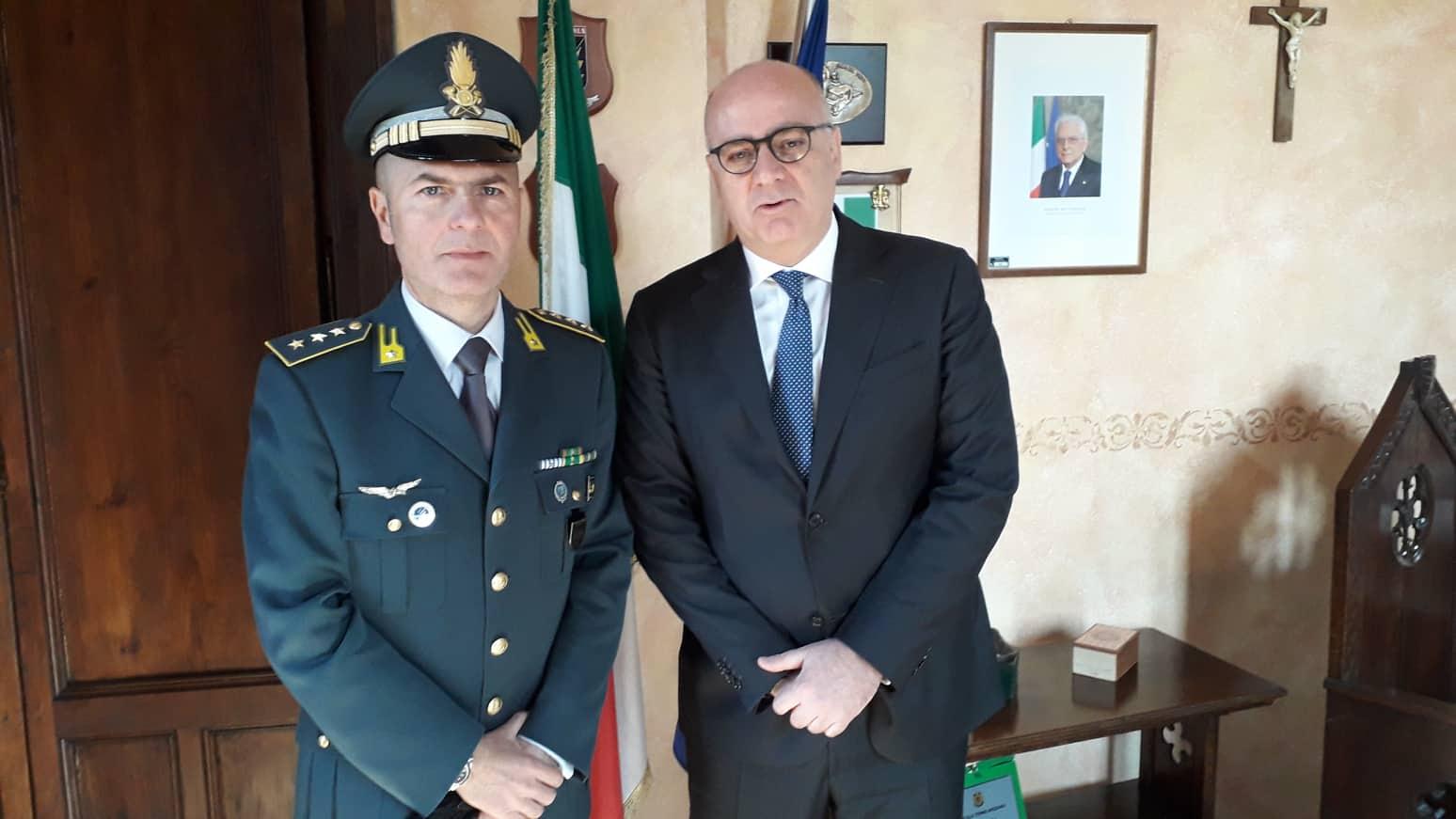 De Angelis accoglie in Comune nuovo comandante compagnia Guardia di Finanza