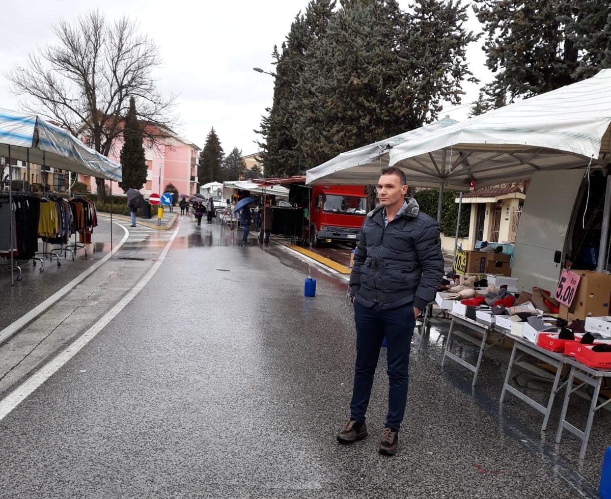 Domenico Venditti: «sconcertato dalle condizioni del mercato del sabato di Avezzano»