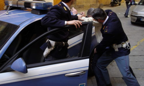 Arrestato per violenza resistenza e lesioni un trentacinquenne di Avezzano, dopo una richiesta di aiuto dalla sede dei servizi sociali del comune
