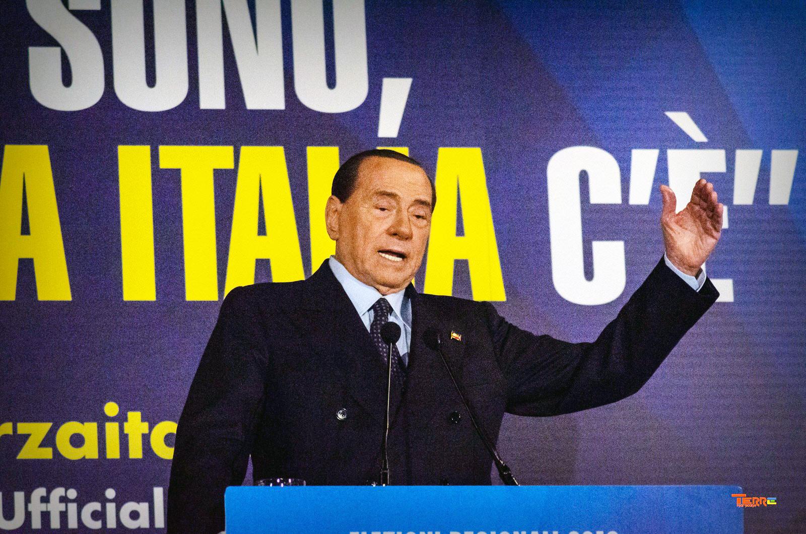 """Silvio Berlusconi ad Avezzano: """"Le mie competenze al servizio dell'Abruzzo"""""""
