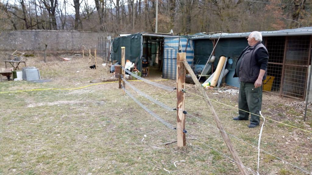 Ortucchio, salgono a 20 i recinti installati gratuitamente dall'associazione salviamo L'orso