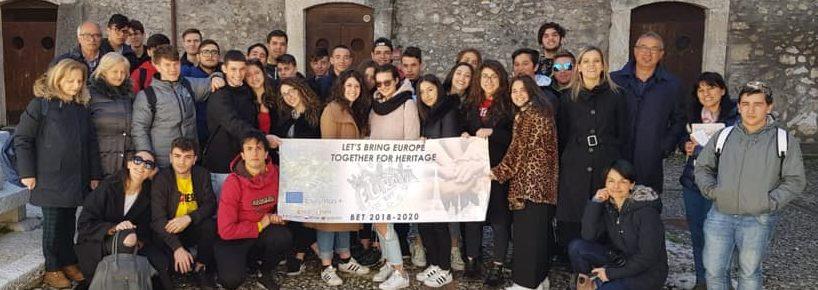 """Gli alunni del G.Galilei di Avezzano in visita al Centro Studi """"Silone"""""""
