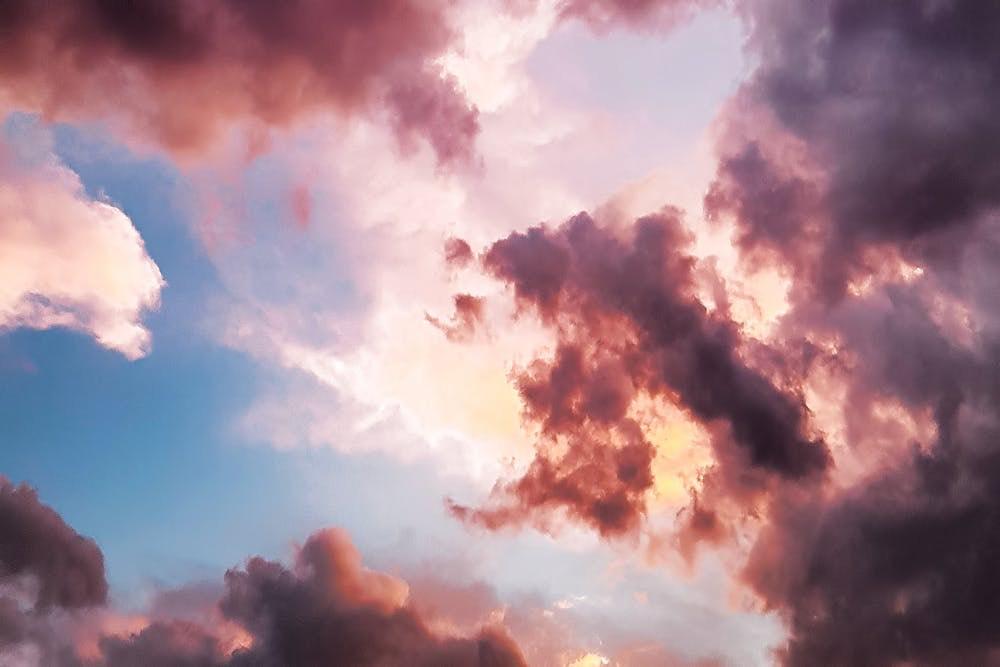 """Tanto Sole e """"caldo"""" primaverile, in arrivo anche nuvole, pioggia e vento fresco"""