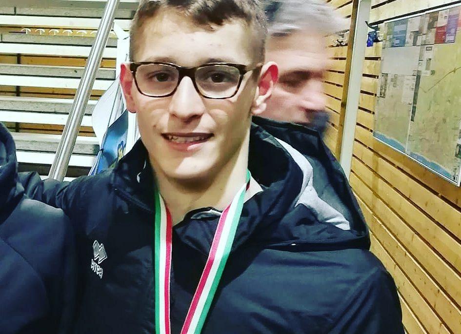 Il nuotatore marsicano Alessandro Bianchi sigla la miglior prestazione italiana nei 100 stile libero