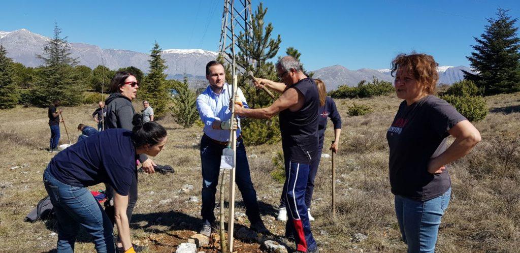 """Dieci nuovi alberi nella Riserva del Salviano, Il consigliere regionale Giorgio Fedele """"pianta"""" gli alberi per il futuro"""