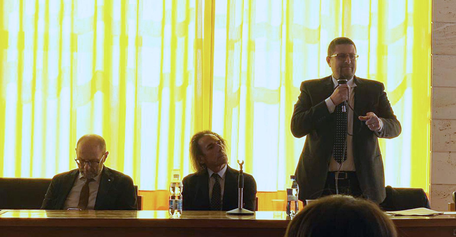 """Chiusura dei tribunali. Il vicepresidente Santangelo al sit-in: """"Sono altre le spese che lo Stato deve tagliare"""""""