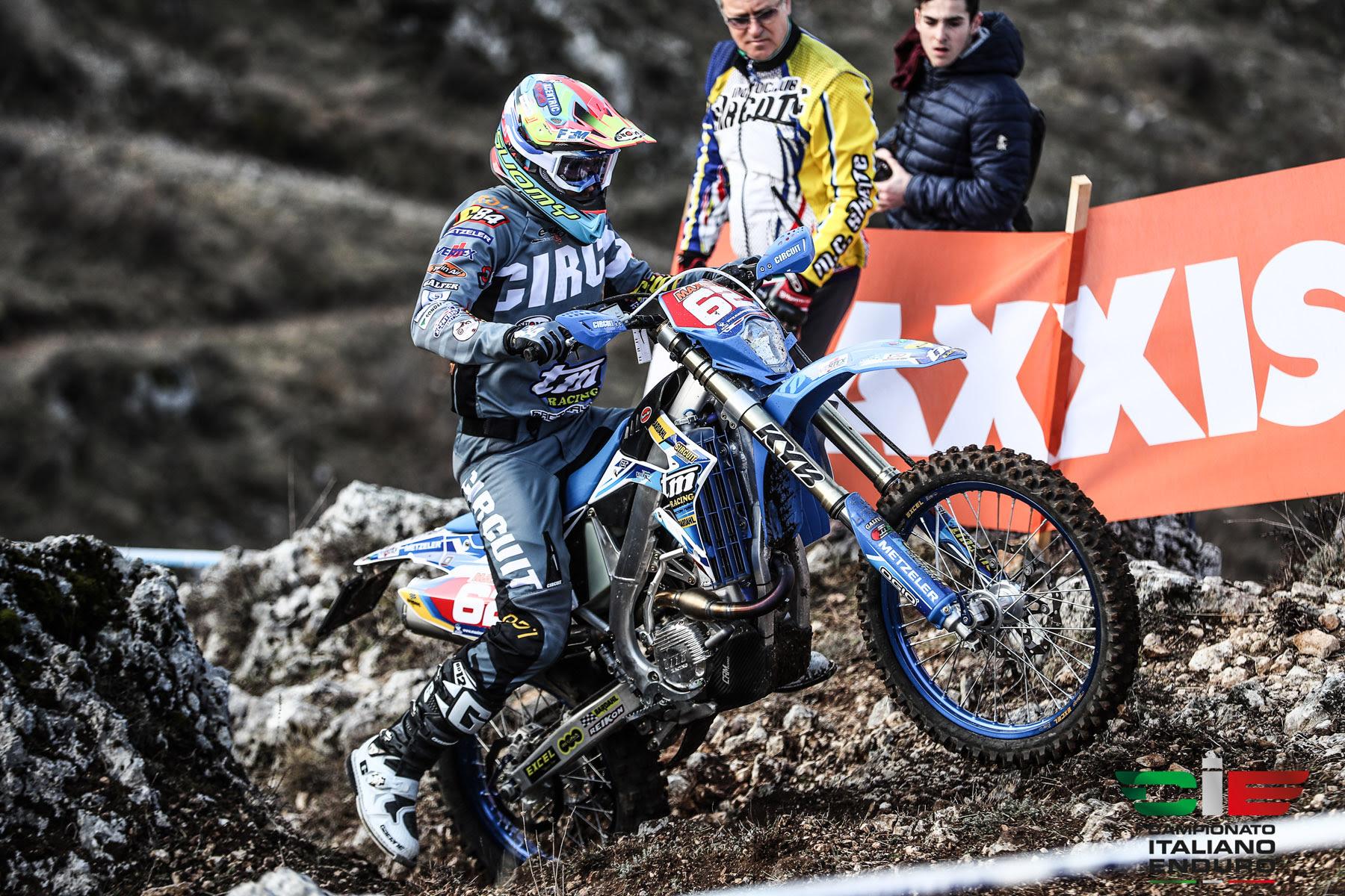Campionato Italiano Enduro a Gioia Dei Marsi, Loic Larrieu vince la prima giornata degli Assoluti d'Italia Maxxis 2019