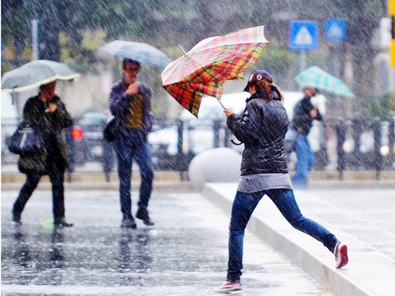 Burrasca di Scirocco e di pioggia dalla sera di Pasquetta. Che tempo farà dopo Pasquetta
