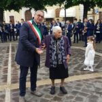 Nonna Velia festeggia 100 anni, gli auguri del sindaco Stefano Iulianella
