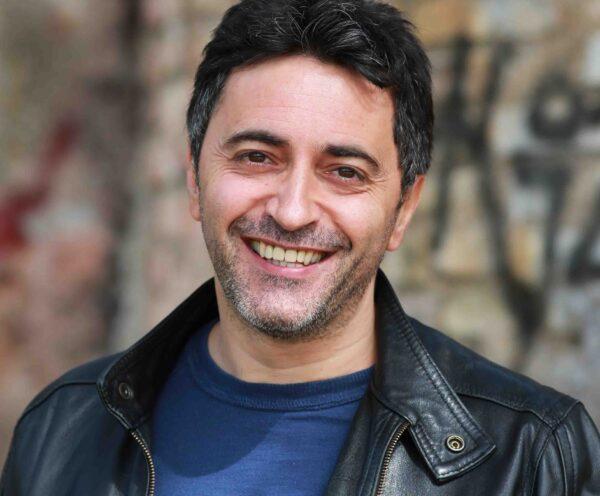 L'attore Corrado Oddi con la sua favola Pinocchio arriva all'Ospedale Bellaria di Bologna