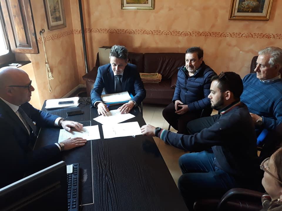 Campo sportivo di Antrosano, firmato il contratto con la ditta che realizzerà il fondo in erba sintetica