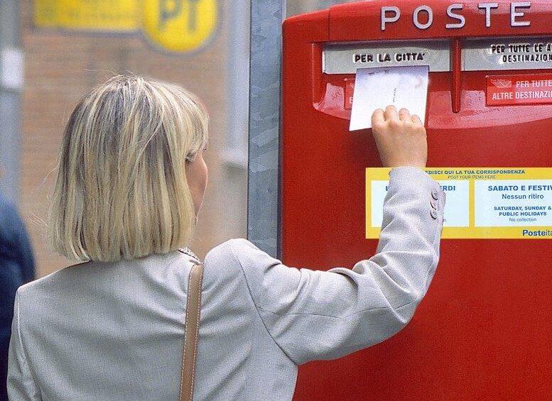 Poste italiane rifà il look alle cassette postali dei piccoli comuni della provincia dell'Aquila