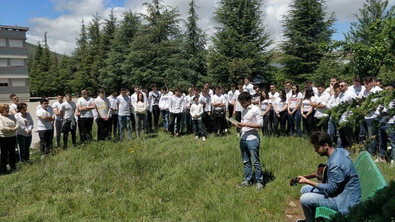 Flash mob al Majorana per il bicentenario de L'Infinito