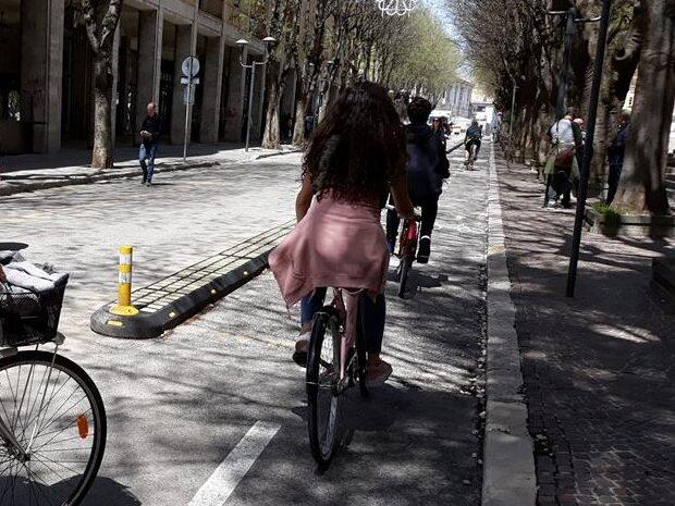 """Festa fine anno """"Collodi-Marini"""", sulla nuova ciclabile di Avezzano la """"Biciclettata d'istituto"""""""
