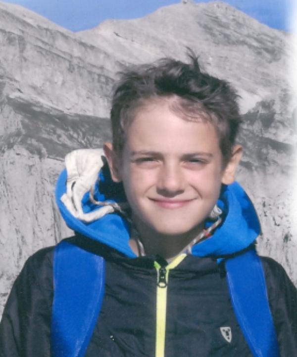 Addio ad Emanuele stroncato dal male a soli 14 anni