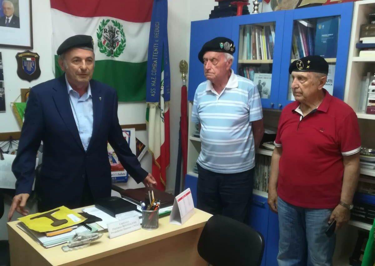 Cerimonia di consegna della Bandiera dell'associazione Combattenti e reduci di Avezzano