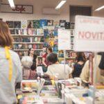 """Entusiasmo e partecipazione per la presentazione del romanzo """"Dal vangelo secondo Paolo Fox"""" di Sarah Arenaccio"""