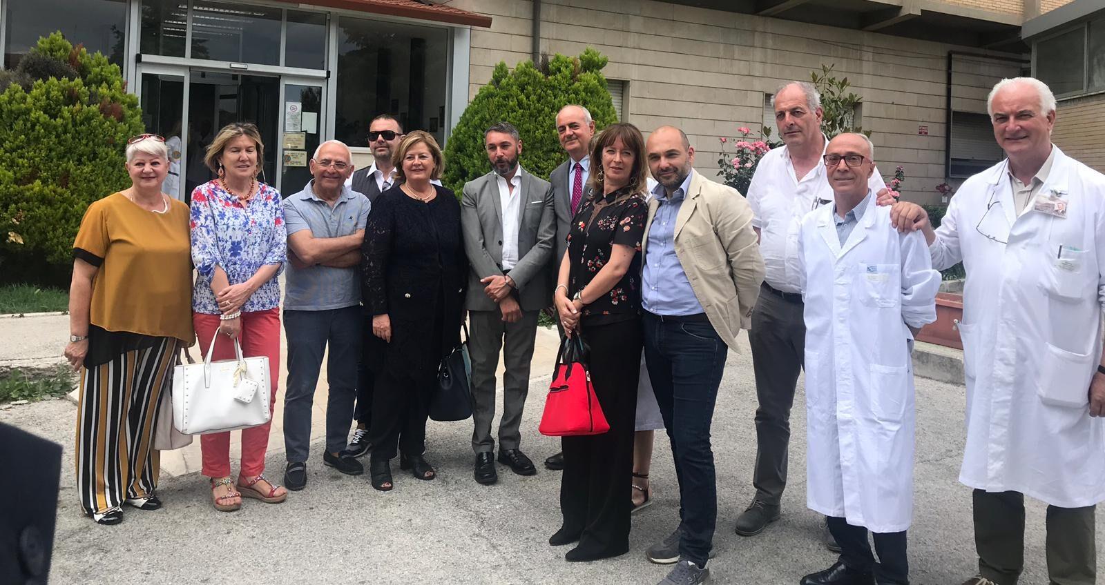 Complimenti dei pazienti ricoverati all'assessore alla sanità Nicoletta Verì in visita all'ospedale di Tagliacozzo