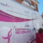 Pescina si tinge di rosa con la carovana della prevenzione