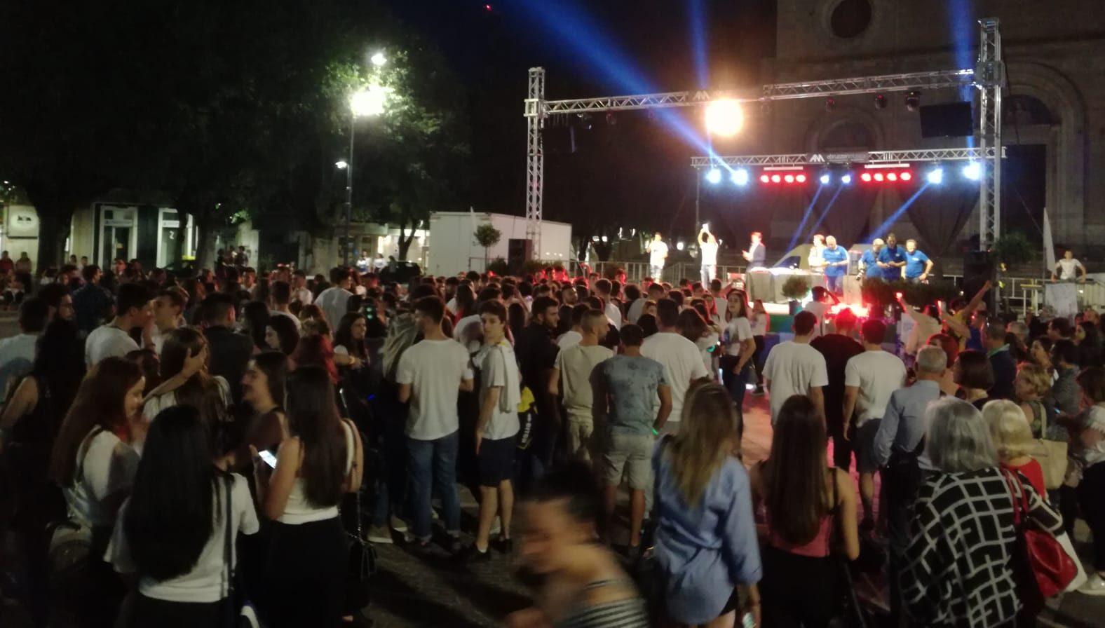 """Tantissimi studenti in piazza per la """"Notte prima degli esami"""""""