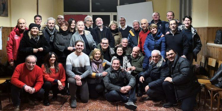 """""""Ultimo viaggio tutti i comfort"""" di Raffaele Donatelli nel piazzale chiesa Madonna Del Passo"""