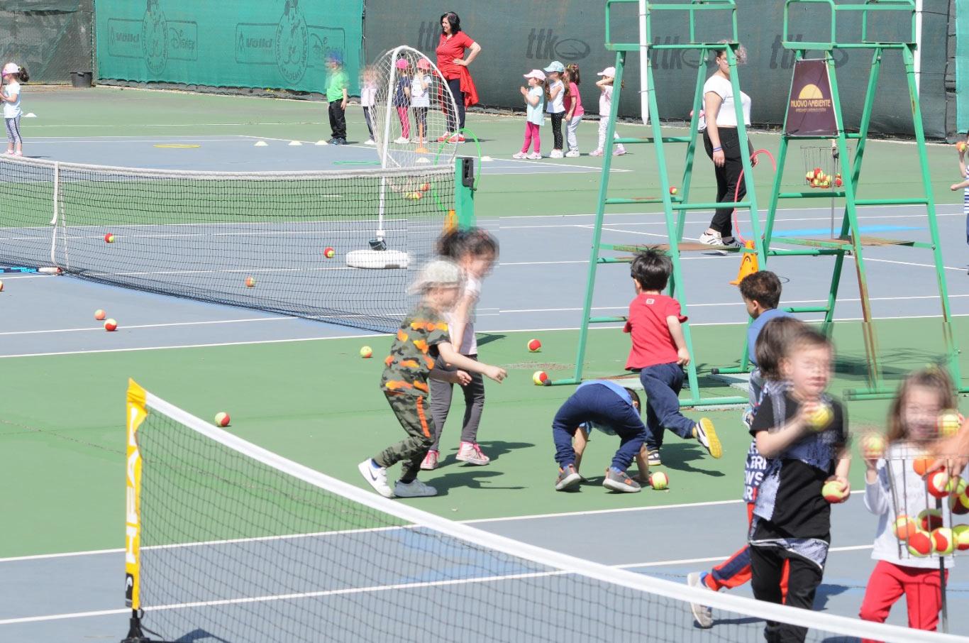 """Un successo per l'iniziativa """"Le mini-Racchette di Classe"""" delle scuole per l'infanzia di Avezzano"""