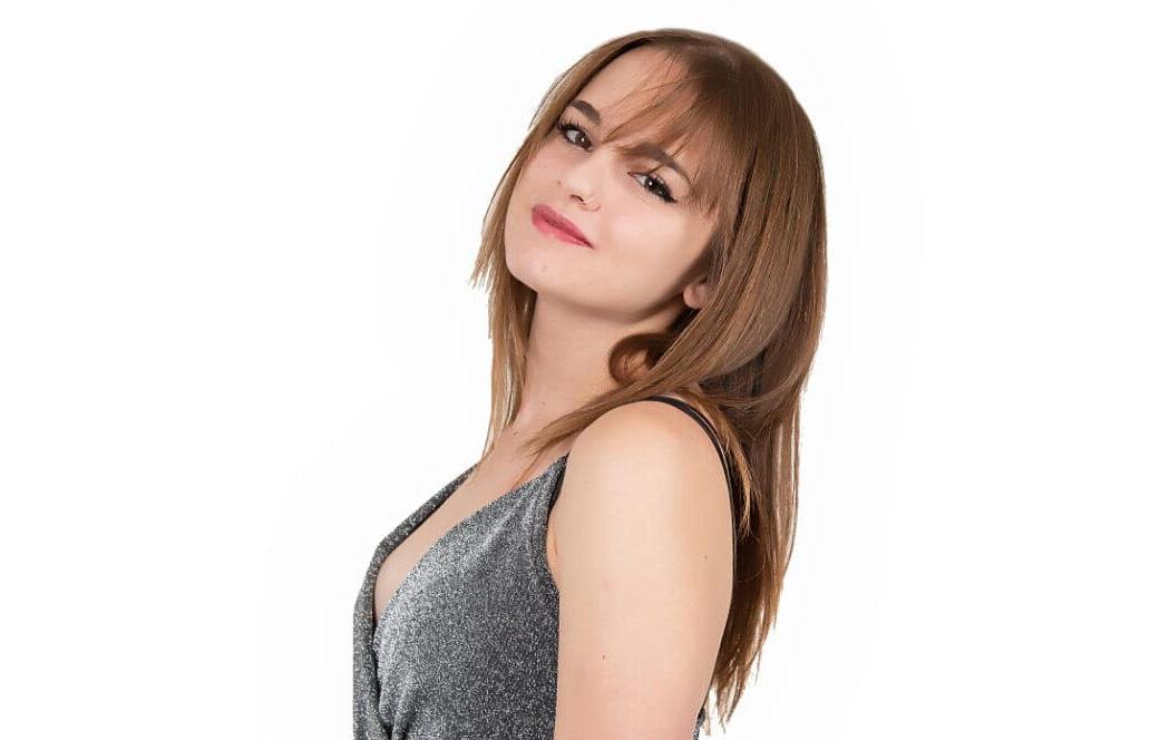"""La talentuosa Annalaura Lacalamita di Ovindoli ottenine un meritatissimo secondo posto alla prima edizione del """"Festival Valle Roveto"""""""