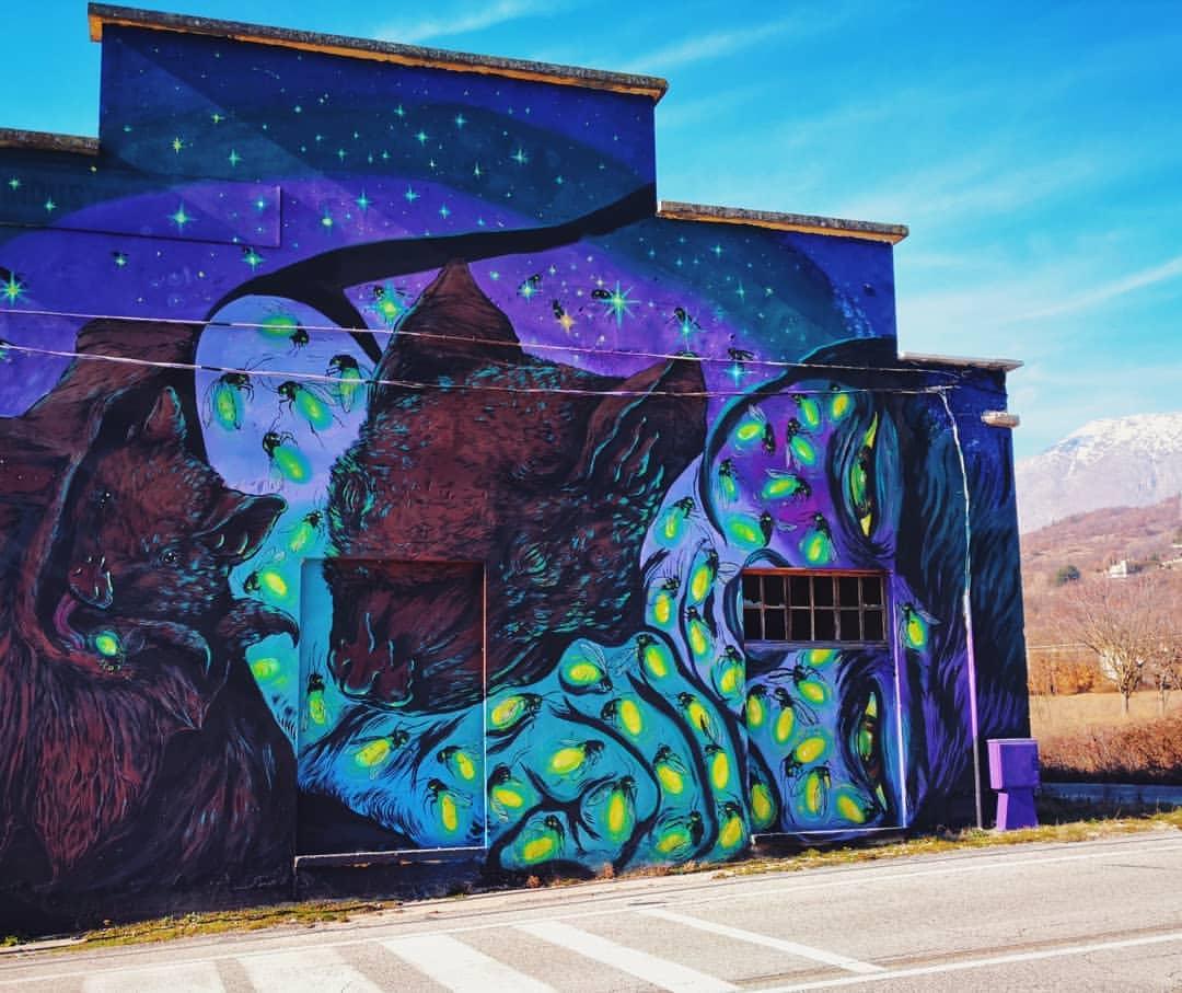 Torna ad Aielli Borgo Universo, il paese si trasforma in un museo a cielo aperto