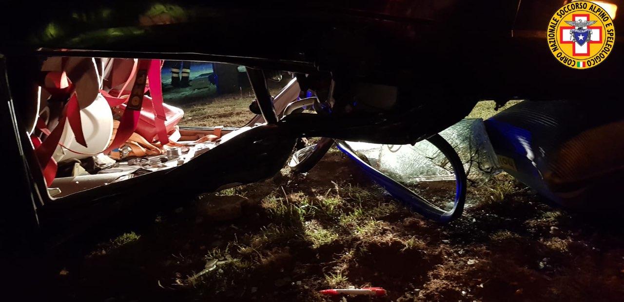 Si ribalta con l'auto e viene schiacciata dal mezzo, muore 23enne volontaria della Croce Rossa
