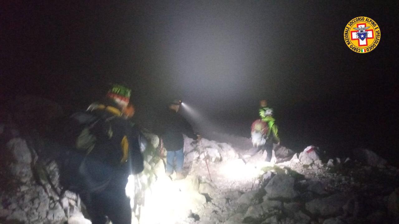 Gran Sasso, escursionista in difficoltà recuperato a 2600 metri nella notte