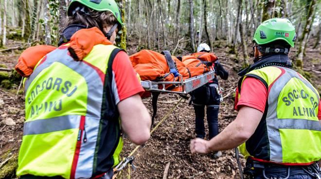 Perdono l'orientamento nel Cammino dei Briganti, recuperati dal Soccorso Alpino