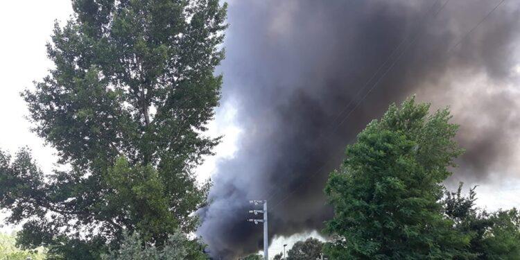 """Incendio GEA, il sindaco Lancia """"Bisogna cuocere o lavare bene le verdure"""""""