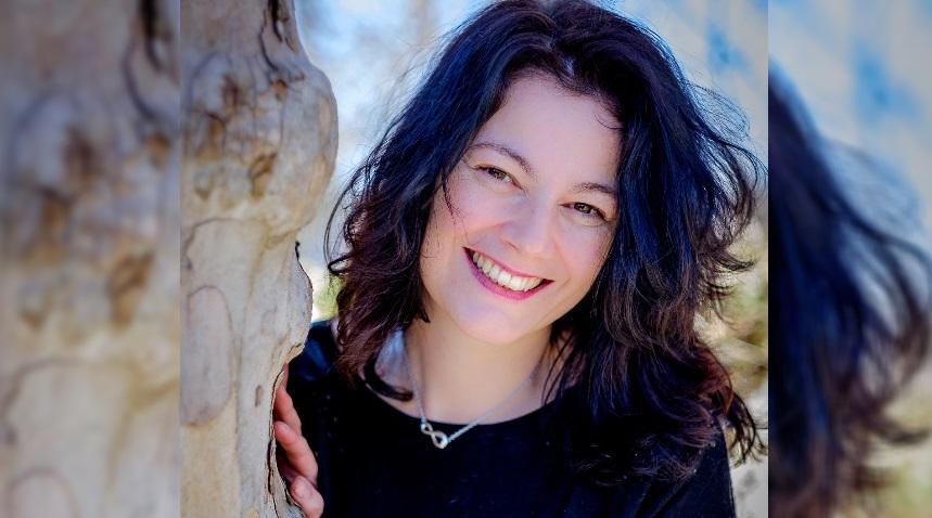 """L'autrice Roberta Placida presenterà """"Haikugrafia"""", il suo primo libro di haiku e immagini fotografiche"""