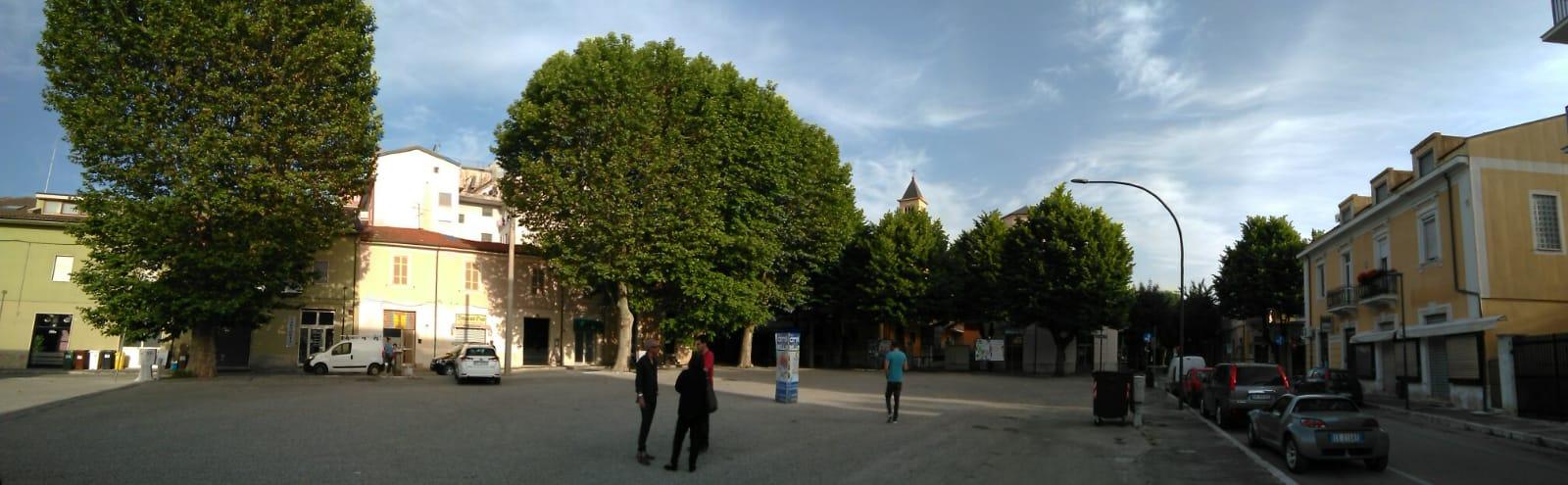 """Taglio alberi in Piazza del Mercato a Avezzano. IlCo.n.al.pa. """"Decisione superficiale e affrettata""""."""