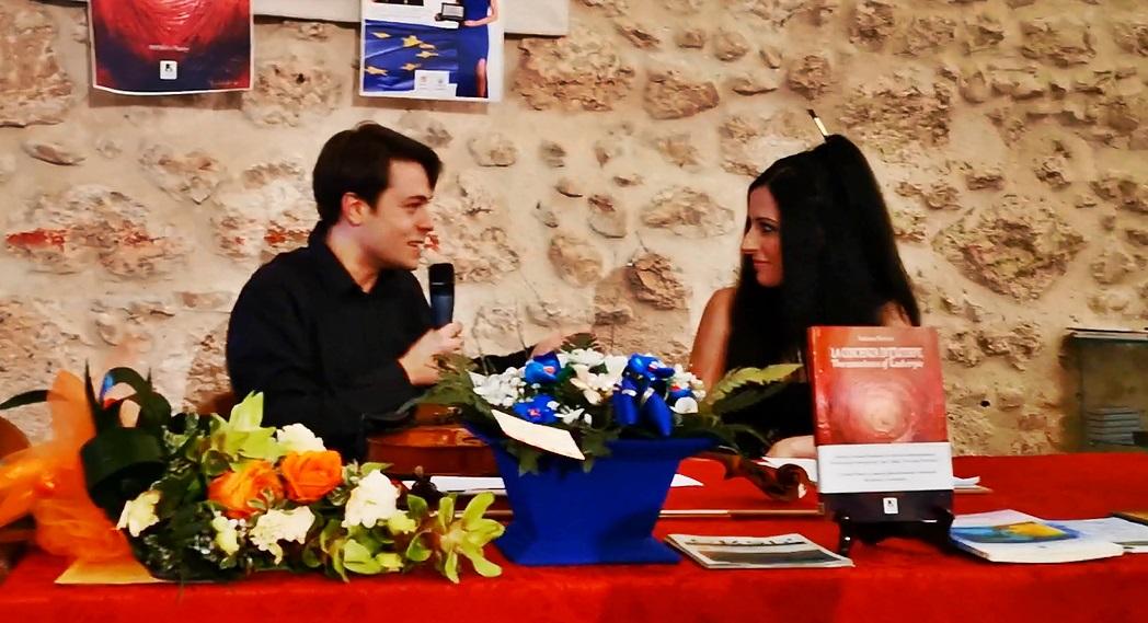"""Grandi emozioni per Alessia Pignatelli e Andrea Petricca inaugurando l'evento """"Dall'anima alla forma"""""""