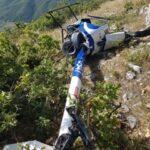 Precipita un elicottero nella pozza di Preturo, pilota illeso (Foto)