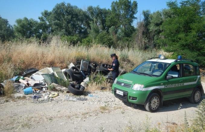 Aree verdi di interesse naturalistico e zone rurali adibite a discarica a cielo aperto, intervengo i Carabinieri Forestali