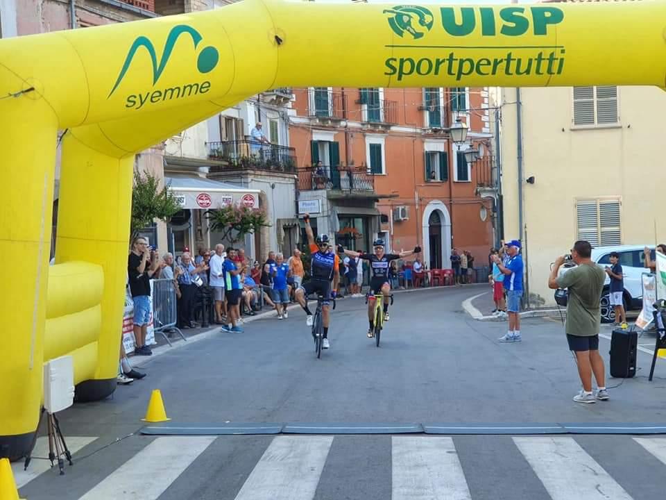 Il ciclista marsicano Antonello Tirabassi vince a Torino di Sangro