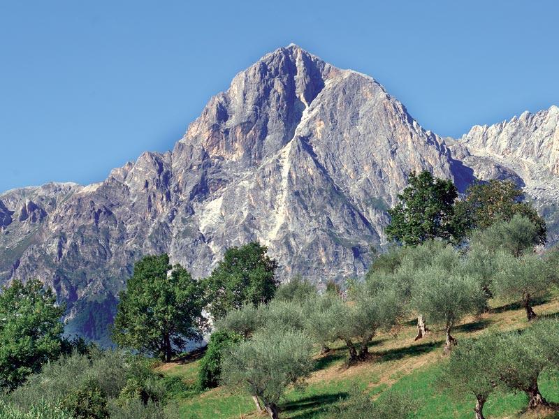 Recuperati dall'elicottero del 118 i due alpinisti rimasti bloccati sul Corno Piccolo