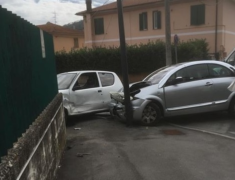 Incidente davanti il comando dei Vigili Urbani di Avezzano