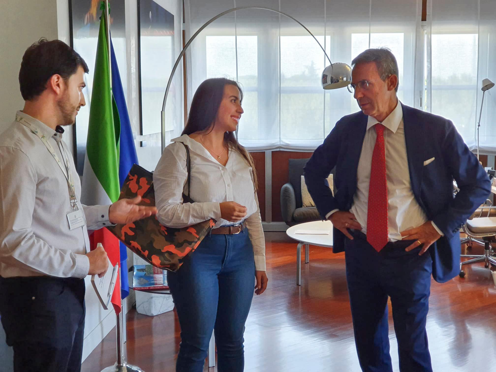 """Il Ministro dell'Ambiente Sergio Costa incontra la marsicana Federica Gasbarro """"la Greta italiana"""""""