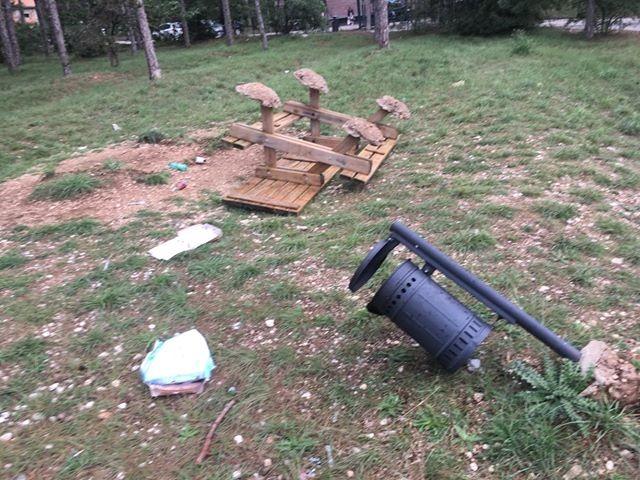 Ennesimi atti vandalici nei pressi della Pineta di Avezzano