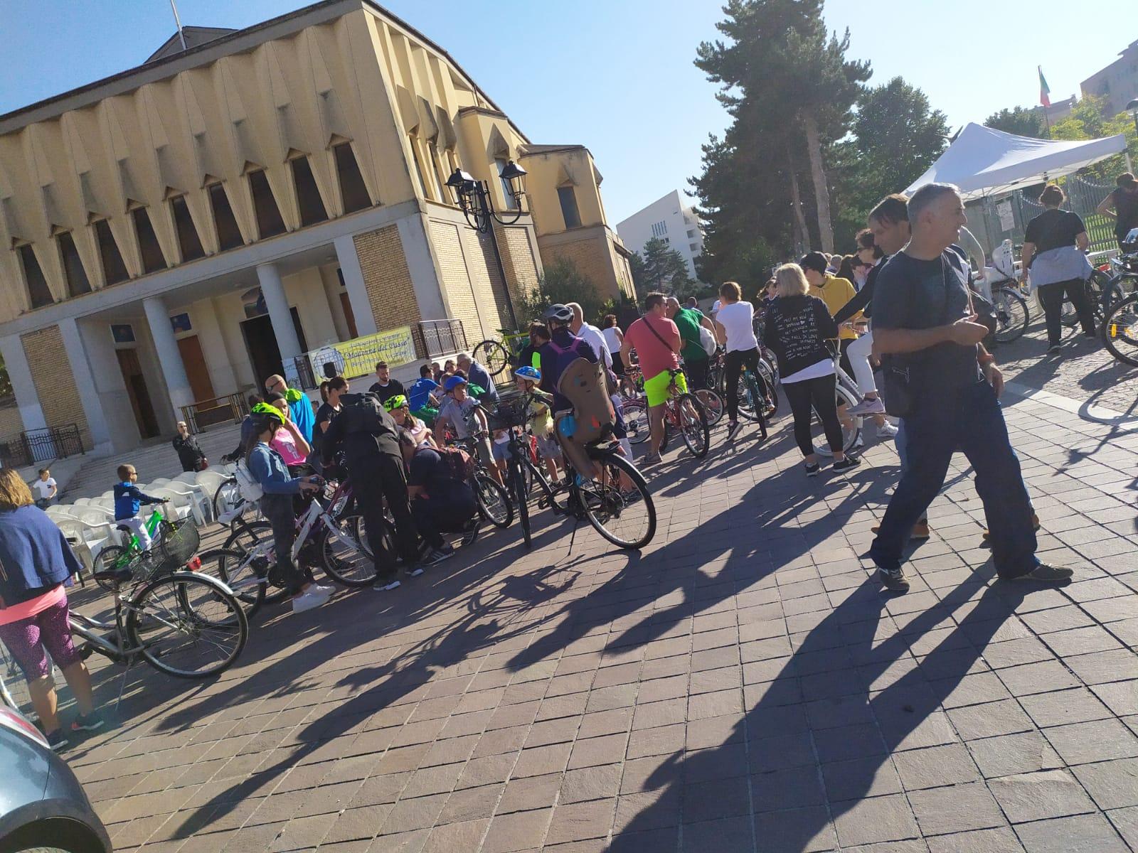 Grande partecipazione alla Passeggiata in Bicicletta Giro delle Sette Chiese di Madonna del Passo