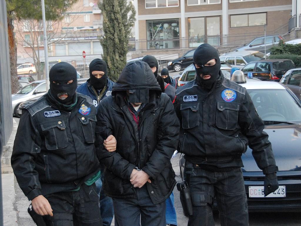Finanziamento al terrorismo in Abruzzo: 10 arresti in corso, coinvolto anche l'imam